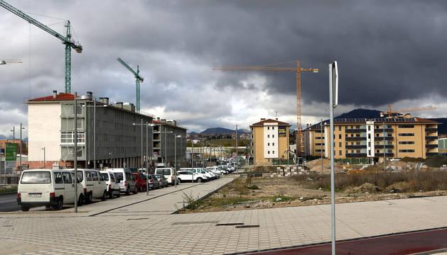 Viviendas de protección oficial en Mutilva en construcción en 2010.