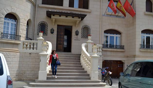 Exterior del Ayuntamiento de San Adrián.