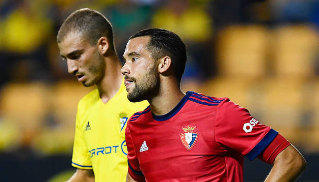 Quique González se lamenta después de una llegada infructuosa de Osasuna ante el Cádiz en Copa.