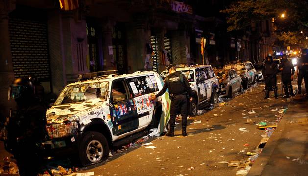Los Patrol de la Guardia Civil quedaron inutilizables tras todo el día de protestas