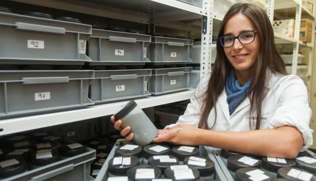 Nora Escribano en la Universidad de Navarra, donde desarrolla su labor investigadora.