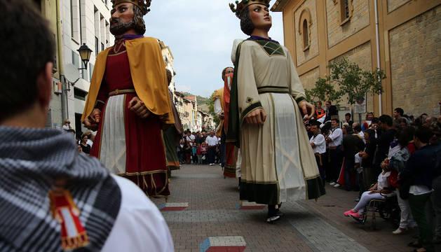 Imagen de archivo de una de las salidas en fiestas de la comparsa de Villava.