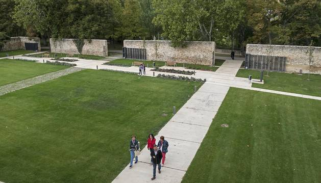 Foto de los nuevos jardines del centro cultural de San Benito que alberga la escuela de música de Estella.