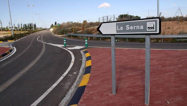 Una fuga tóxica corta el acceso al polígono La Serna de Tudela