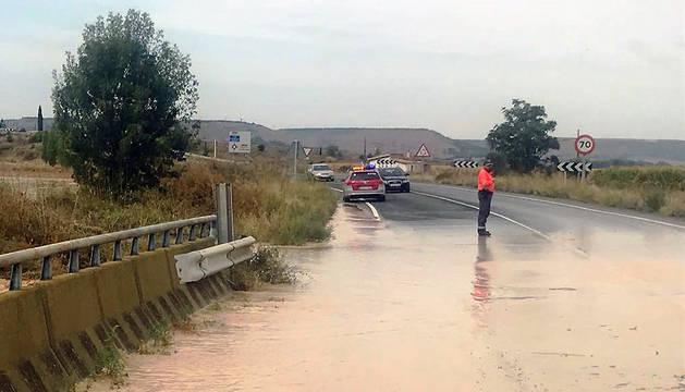 Carretera NA126 cortada en Tudela en sentido Cabanillas.