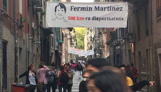 Foto de una de las pancartas alusivas el acercamiento de presos.
