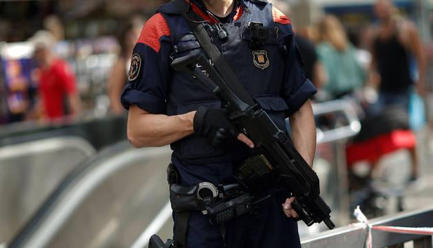 Un agente de los MOssos D'Esquadra.