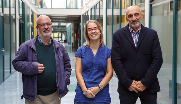 Esteban Induráin Eraso, Laura De Miguel Turullols y Humberto Bustince Sola, en la UPNA.