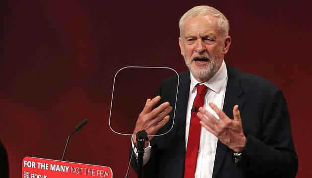 Corbyn pide a los tories que dejen al laborismo gestionar el 'Brexit'