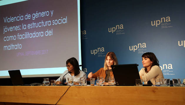 Desde la izda, Mercé Oliva (Universitat Pompeu Fabra), Paz Francés y Rut Iturbide (UPNA).