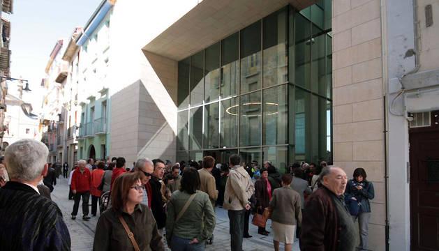 Inauguración de los ascensores y del bar-restaurante de la calle Descalzos, en abril de 2008.