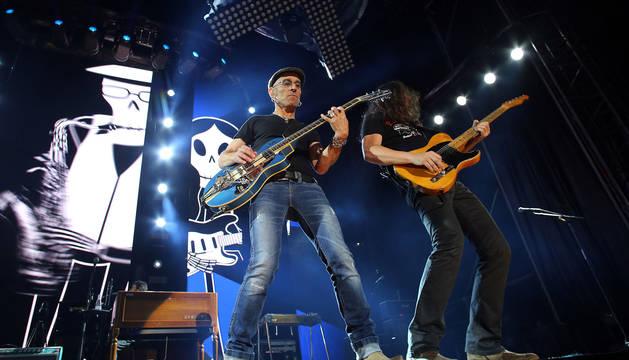 Fito y Carlos Raya, el 15 de junio de 2015 en la Plaza de Toros de Pamplona.