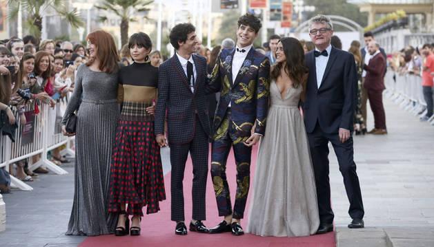 Los actores y directores de 'La llamada' en la presentación del film durante la jornada del jueves en el Festival de Cine de San Sebastián.