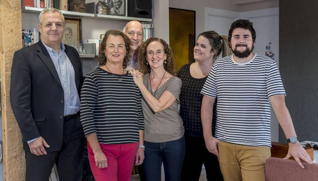 Parte de la junta directiva y el equipo de colaboradores de AMBALA.