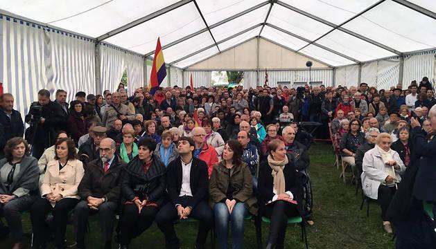 El homenaje a los navarros internados en el campo de Gurs