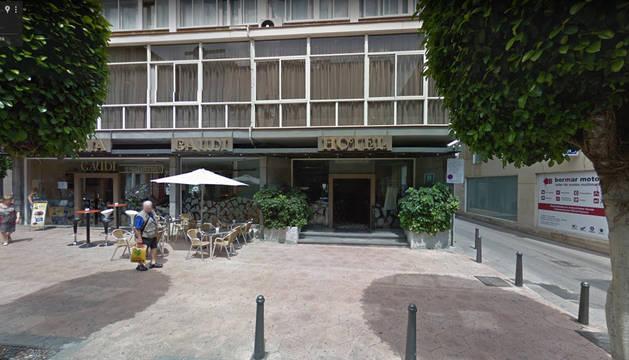 Hotel Gaudí (Reus), cuya cocina se ha incendiado. Se trata del hotel donde se alojan varios policías nacionales de refuerzo para el referéndum de Cataluña.