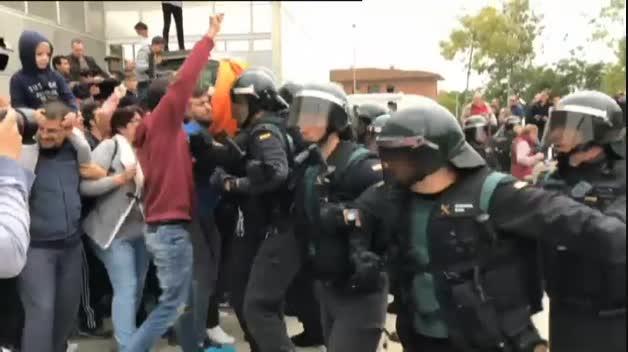 Incidentes en algunos colegios de Cataluña