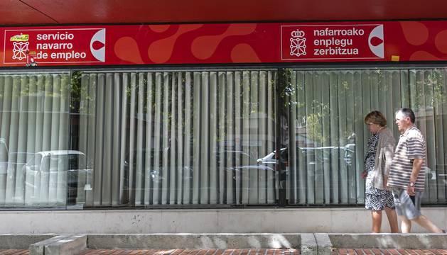Imagen exterior de una oficina del Servicio Navarro de Empleo en Estella.