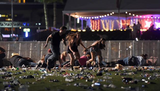 Al menos dos muertos y decenas de heridos por un tiroteo en Las Vegas