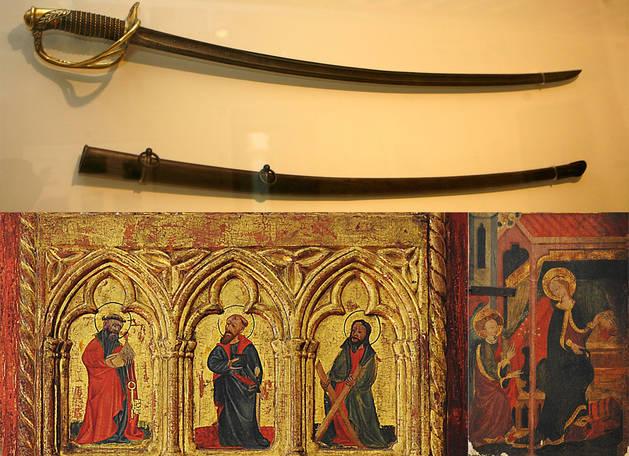 Entre las piezas se encuentran el Sable de Carlos VII e imágenes de los Apóstoles y la Anunciación que se encuentran en la parte interior del arca.
