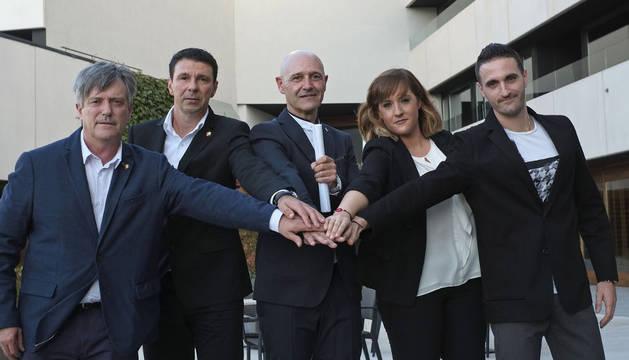 Los cinco integrantes de la candidatura Osasuna Cambio. De izquierda a derecha: Javier Bayona, Ángel Lekunberri, Víctor Álvarez, Natalia Pérez y Arkaitz Cía.