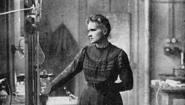 Marie Curie, en el laboratorio.