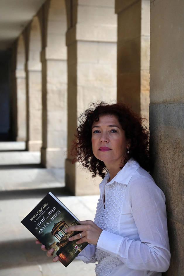 Estela Chocarro Bujanda presenta su nueva novela en el Club de Lectura de Diario de Navarra.