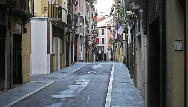 La calle Jarauta, con una urbanización provisional.