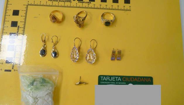 Objetos robados por los detenidos.