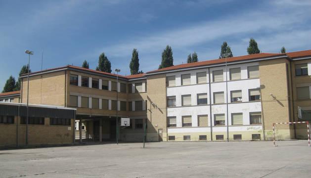 Antiguo colegio José Vila, de Pamplona.