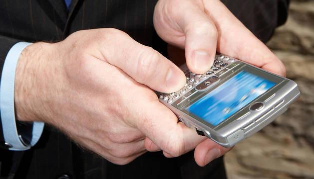 Condenado por grabar con el móvil a una menor en unos probadores en Pamplona