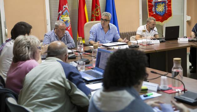 El pleno de Beriáin sigue dividido por la organización del 25 aniversario