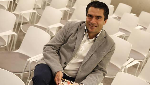 Foto de Manuel Murie, el día de la presentación del libro.