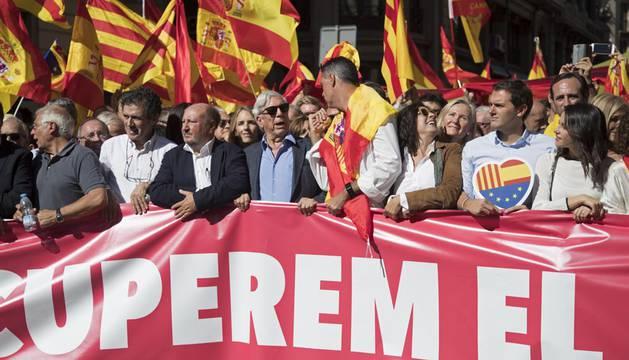 Borrell, a las empresas que salen de Cataluña