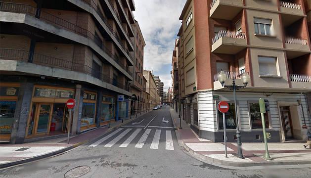 Semáforo de la calle Capuchinos, en la confluencia con la avenida de Zaragoza.