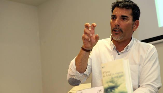 Víctor del Árbol regresa al club de lectura de Diario de Navarra