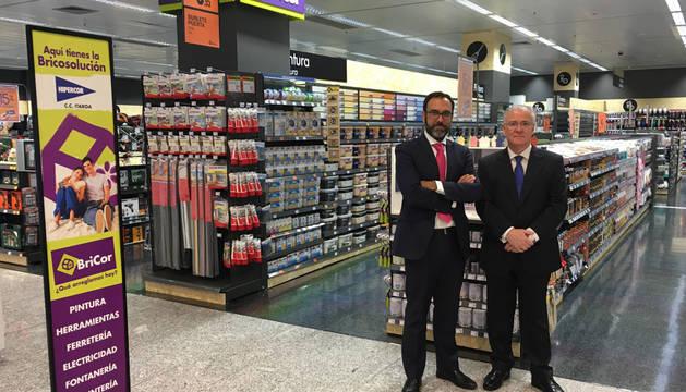 Desde la izquierda, José Luis Martínez (director de ventas y marketing de BriCor y Juan José Cuns, director regional de El Corte Inglés.