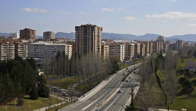 Foto a la izquierda, el barrio de Iturrama de Pamplona.
