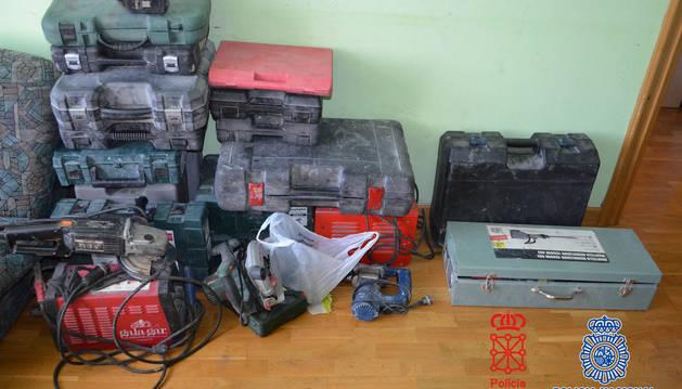 Foto de las herramienta localizada en la vivienda de uno de los detenidos.