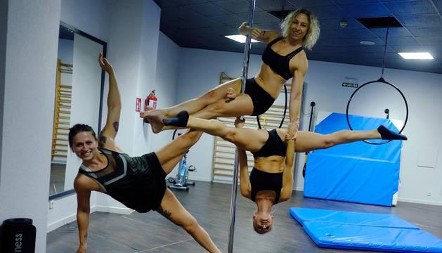 'Pole Fitness': cuerpor ingrávidos en una barra