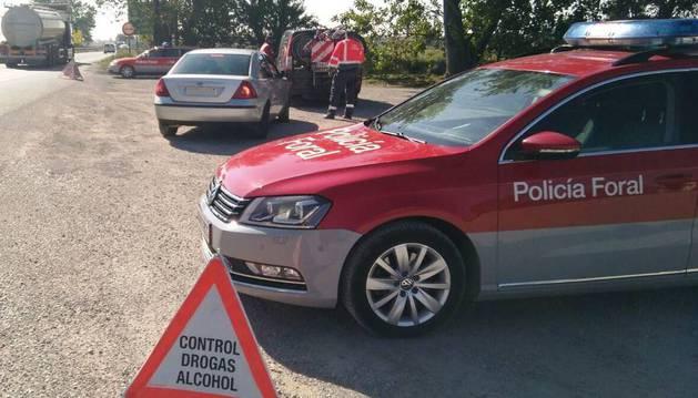 Imagen del control de la Policía Foral en Valtierra.