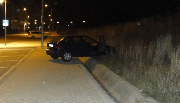 Foto de la posición final del vehículo tras el accidente.