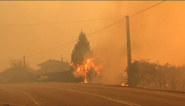 Galicia arde en pleno mes de octubre