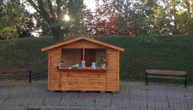 Barañáin estrena una caseta para el fomento de la lectura en el anfiteatro del lago
