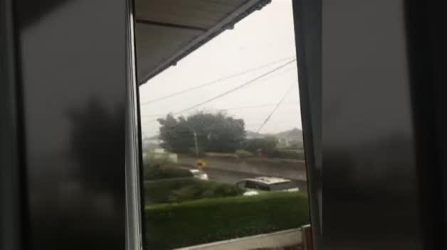El huracán 'Ophelia' llega a Irlanda y causa 3 víctimas mortales