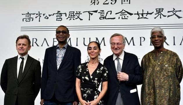 Rafael Moneo (segundo por la derecha), junto al resto de galardonados en los Praemium Imperiale de Japón.