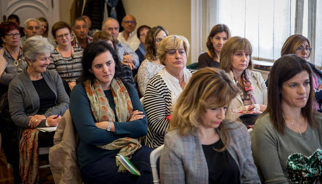Imagen de los asistentes a la jornada sobre mujeres y su papel en las cooperativas agrarias.