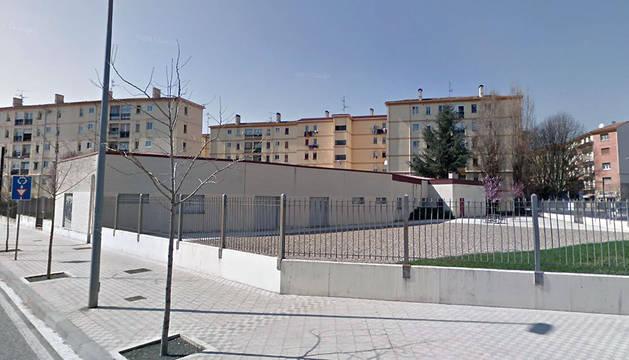 Exterior del Centro Comunitario de Iniciativas Sociales (CCIS) Ilargienea de la Milagrosa, en la antigua escuela infantil del barrio.