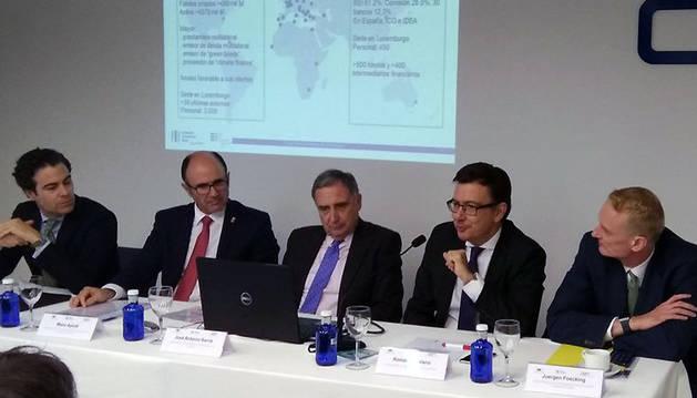 Román Escolano, vicepresidente del BEI, explica cómo las empresas de Navarra pueden beneficiarse del Plan de Inversiones.