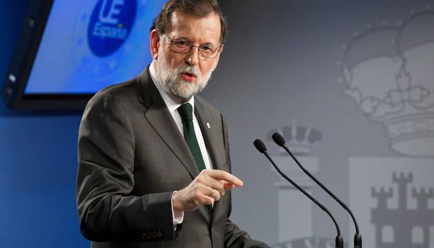 Rajoy defiende su obligación de actuar en Cataluña ante una